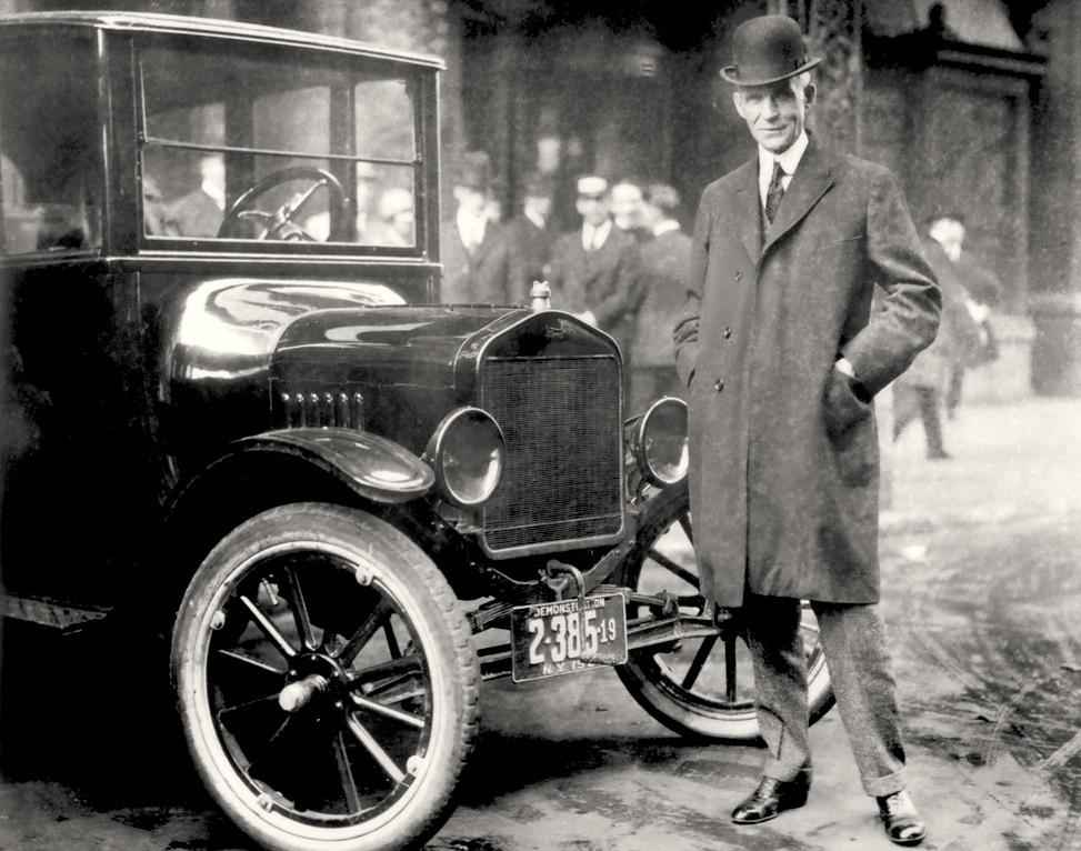 Генри Форд и легентарная модель Fotr T, 1921 год.